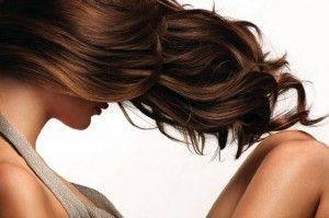 При виборі мигдалевої олії для волосся слід очікувати, що маска з оцтом і мигдалем поліпшить стан кінчиків волосся і позбавить від сухості