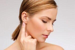 Отит зовнішнього вуха - лікування: медикаментозні препарати і кращі народні рецепти