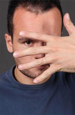 Що робити, якщо дуже болять очі, тисне