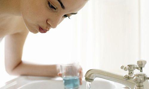 Полоскання горла при застуді