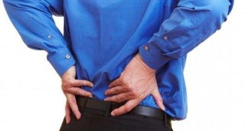 Які причини болю в хребті