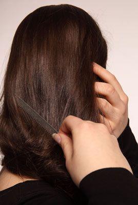 Чому стали сильно випадати волосся