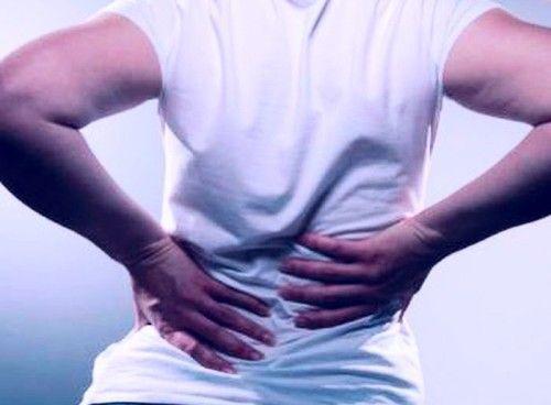 Причини і лікування болю в спині, яка віддає в ногу