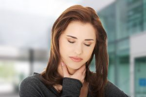 Болить горло і пропав голос - що робити?