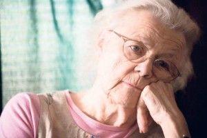 вікова катаракта